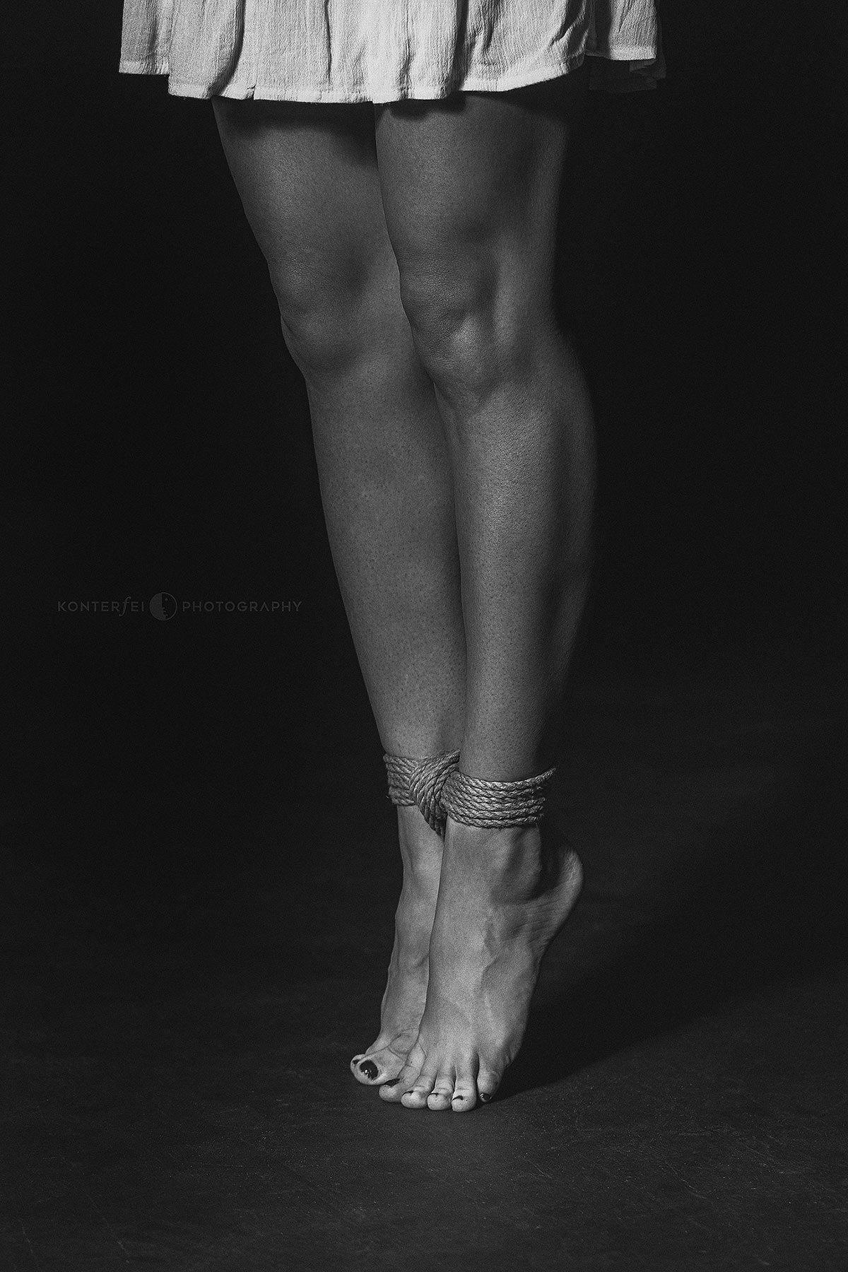 Tip Toes Training   Bondage   Photography