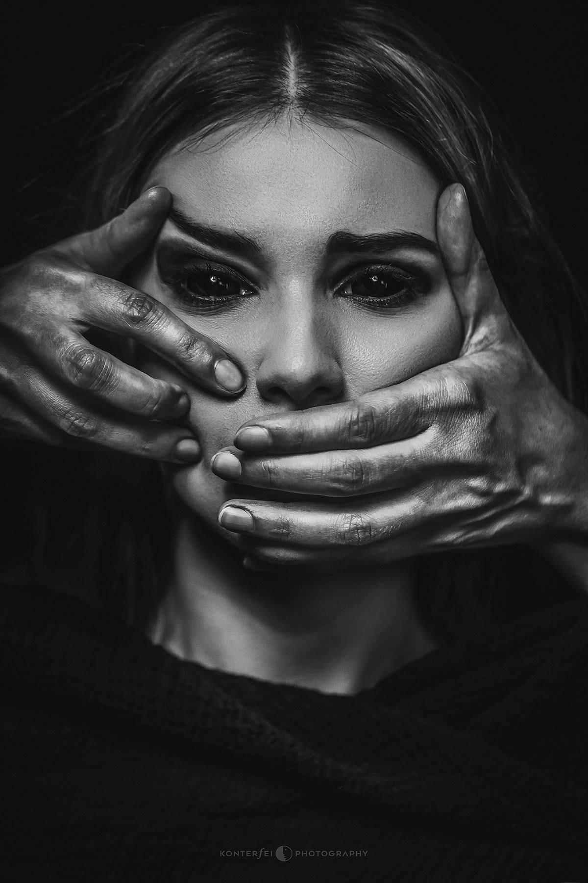 Look, don't speak! | Dark Art | Photography