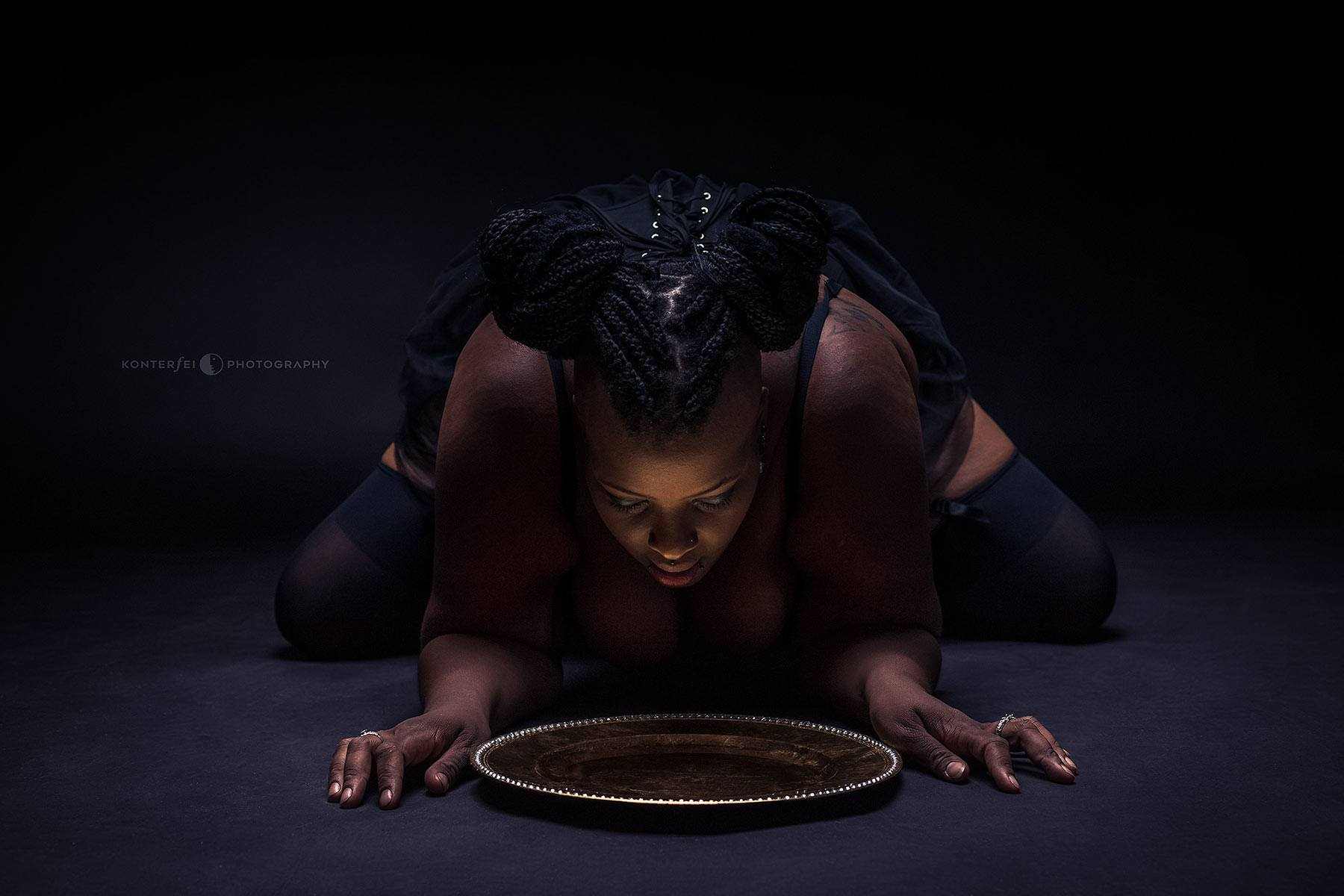 Golden Diet | Dark Beauty | Photography
